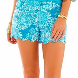 Lilly Pulitzer shorts- Sz 00. Blue Lion in the Sun